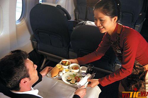 Sự phục vụ chu đáo cho hàng khách mua vé hạng